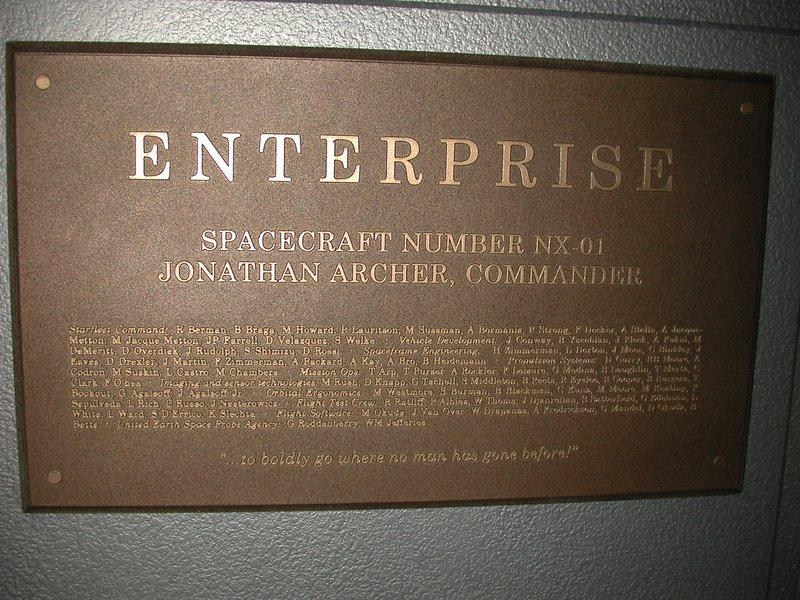 http://images2.wikia.nocookie.net/__cb20061002024257/memoryalpha/en/images/archive/a/af/20111028210331%21Enterprise_NX-01_plaque.jpg