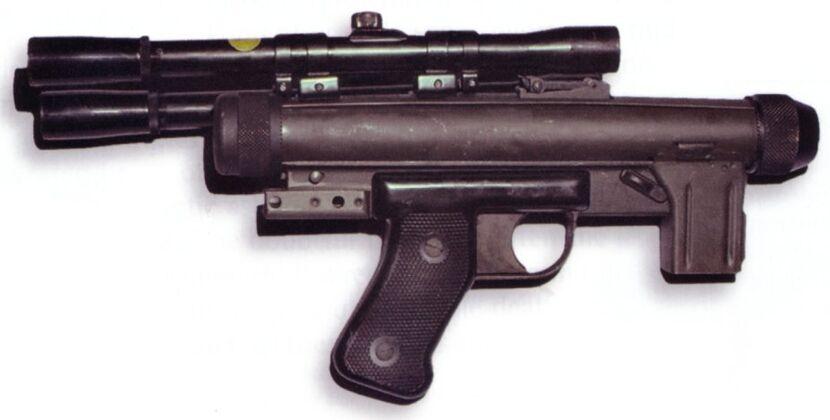 830px-SE-14C_blaster_pistol.jpg