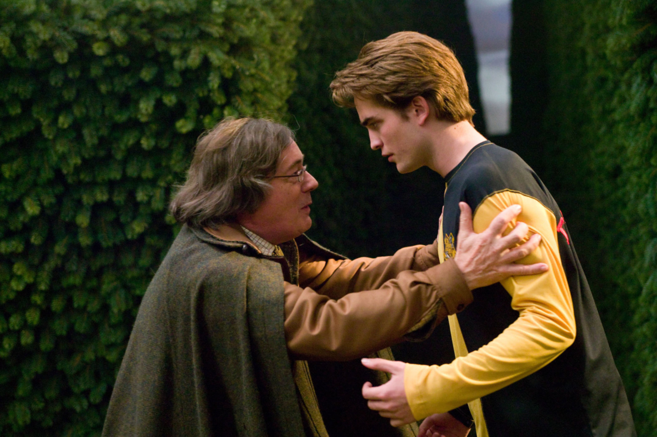 http://images2.wikia.nocookie.net/__cb20070906142428/harrypotter/images/2/24/AmosCedric.jpg