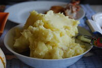 Mound+of+mashed+potatoes-8995