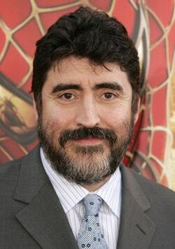 http://images2.wikia.nocookie.net/__cb20080516012550/indianajones/images/thumb/5/5c/Alfred_Molina.jpg/250px-Alfred_Molina.jpg