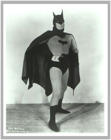 BATMAN BATMAN BATMAN! 377px-Batman_1943_Serial_001
