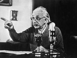 795px-Albert Einstein declares his opposition to the atomic bomb-1-