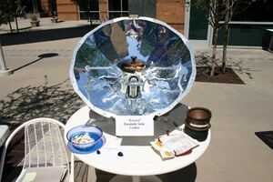 Everest solar cooker
