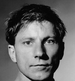Simon McBurney 1