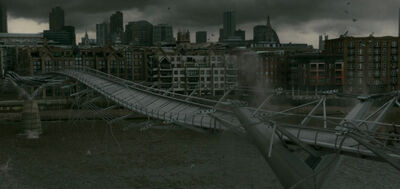 MillenniumBridgeCollapse
