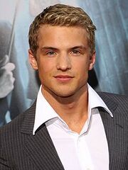 Freddie Stroma