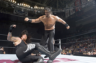 Undertaker_vs._The_Great_Khali.jpg