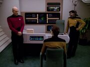 Picard La Forge verhren Data