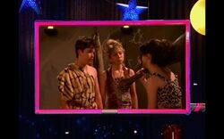 ILook-Alike-icarly-6525944-320-200