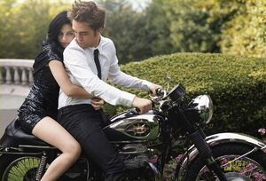 Robert Pattinson and Kristin Stewart in Bazaar (3)