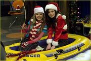 Miranda-cosgrove-icarly-ichristmas-03