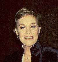 220px-JulieAndrews face