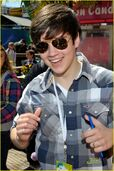 Nathan-kress-santa-monica-02