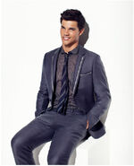 Taylor-TW-jacob-black-8151159-650-802