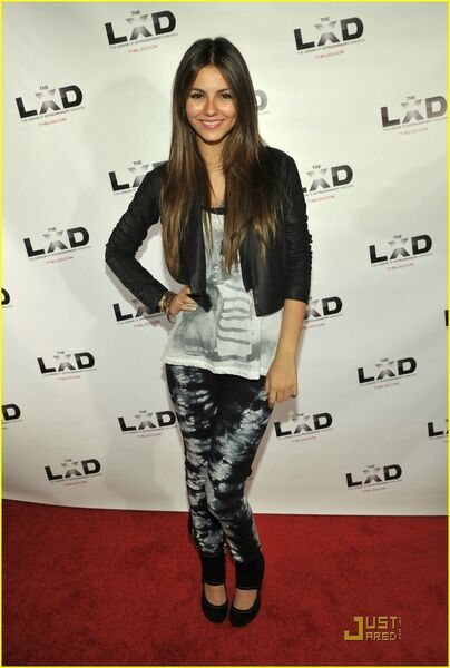 victoria justice icarly. Featured on:Victoria Justice,