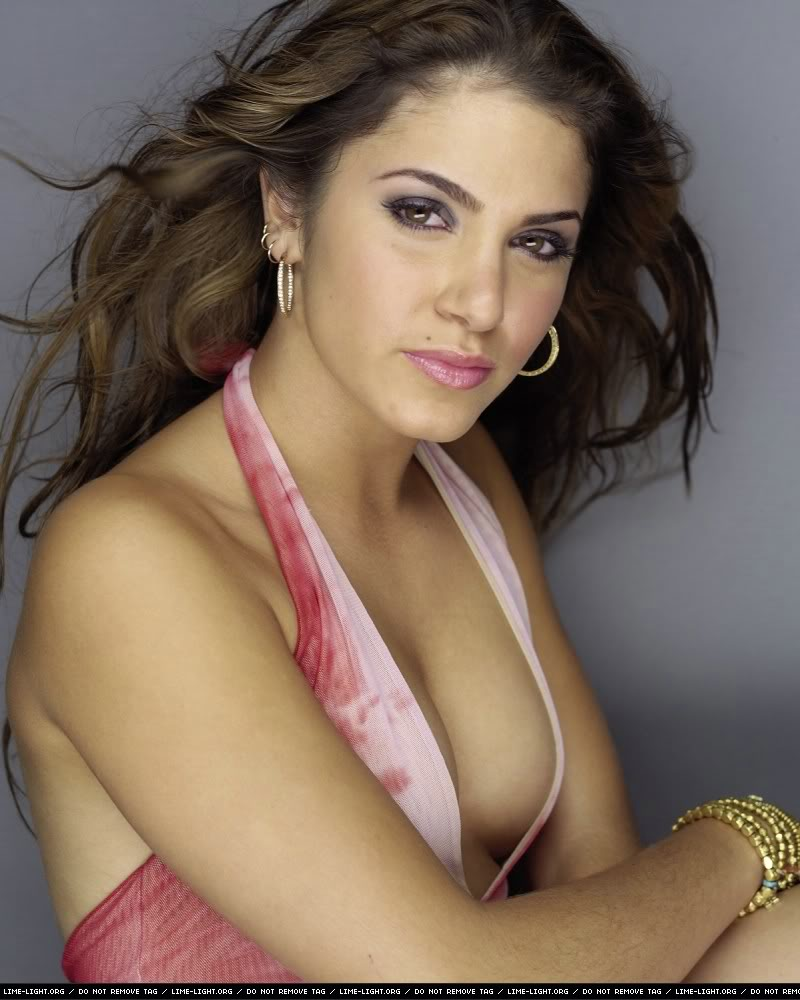 Nikki Reed - Images Gallery