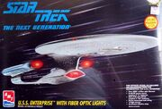 AMT Model kit 8772 USS Enterprise-D 1995