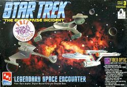 AMT Model kit 8254 Legendary Space Encounter 1996