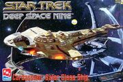 AMT Model kit 8324 Cardassian Galor Class Ship 1996
