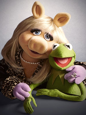 Miss-Piggy-Kermit-Frog 300