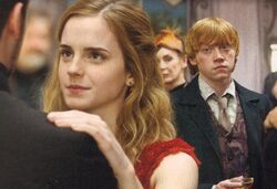 NEW-DH-STILLS-harry-potter-16322977-822-562