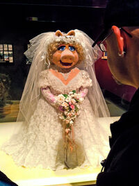 JimHenson'sFantasticWorld-WeddingPiggy-(2010)