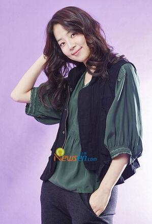 Han Ji Hye3.jpg