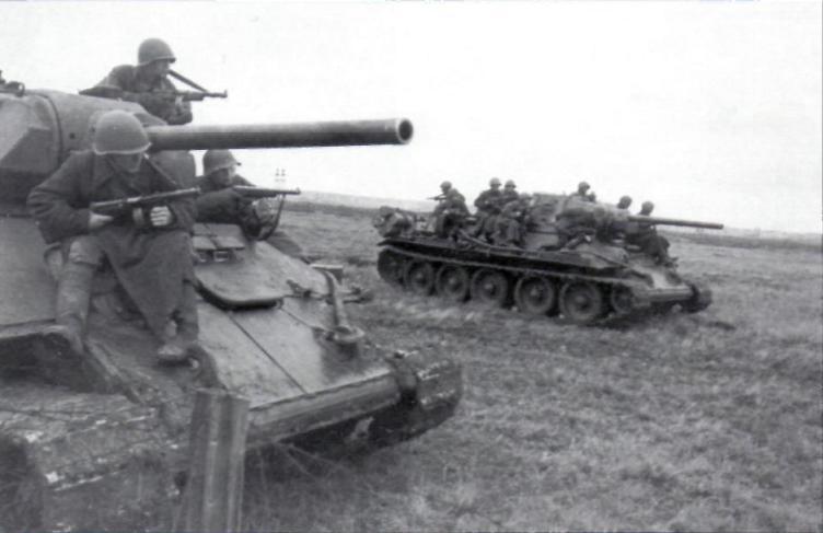 T-34_model_1942.jpg
