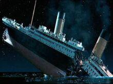220px-Titanic.jpg
