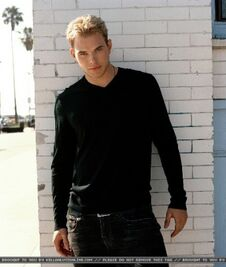 Kellan Lutz 75