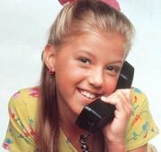 Stephanie-tanner-full-house-10831817-400-377