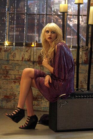 Jenny-humphrey-in-un-momento-dell-episodio-rufus-getting-married-di-gossip-girl-135237