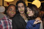 Various-Avan-Victoria-beck-and-tori-12243944-2560-1700