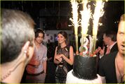 Inside-victoria-justice-18-bday-03