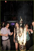 Inside-victoria-justice-18-bday-17