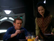 Keiko asks Replicant O&#39;Brien about his trip to the Parada system