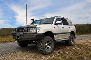 Land Cruiser HZJ105 2