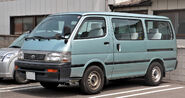 Toyota Hiace Wagon 011