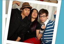 Glee-Cast-Fox-Photo-Booth-Photo-Shoot-glee-11380034-452-316