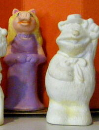 Avalon figurine painting kit 2 piggy
