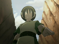 Toph pointing down.png