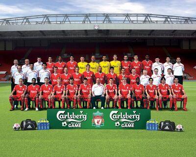 LiverpoolSquad2009-2010.jpg