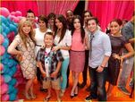 Iparty with victorious cast