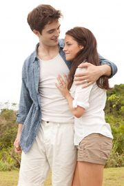 Robert-Pattinson-Kristen-Stewart-Twilight-Saga-Breaking-Dawn-Part-1-image-5