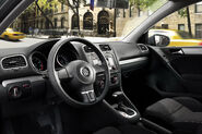 2010-VW-Golf-TDI-10