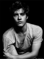 Xavier Samuel VMAN 1
