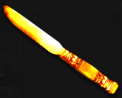 Trama: ¡Oh Pobre y estúpido Oso despedazado! 250px-Knives