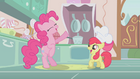 Pinkie Pie happily singing the cupcake song S1E12