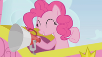Pinkie Pie aboard a hot air balloon S1E13